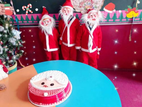 """""""We wish you a merry Christmas…"""",10"""