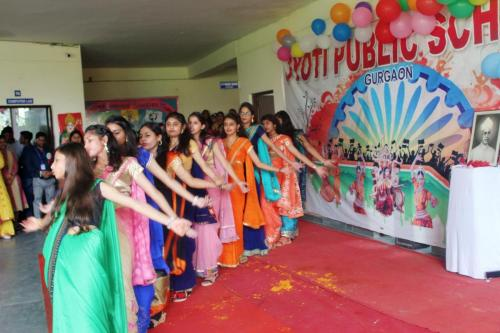 Teacher's day celebration in school 11