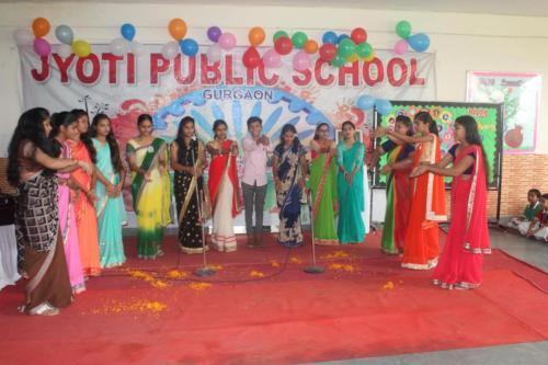 Teacher's day celebration in school 13